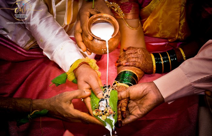 INCREDIBLE TIPS TO CUT DOWN WEDDING EXPENSES