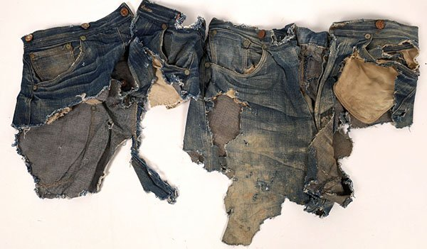 Levi Jeans 1880s Fragments, Photos of Geronimo's Surrender and A Bechtler U.S. Gold Coin All do Well in Holabird Auction